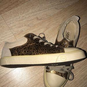 UGG women sneakers !